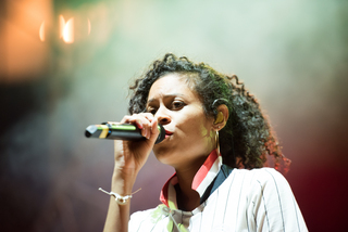 AlunaGeorge warmed up the crowd before ZHU and Travis Scott performed.